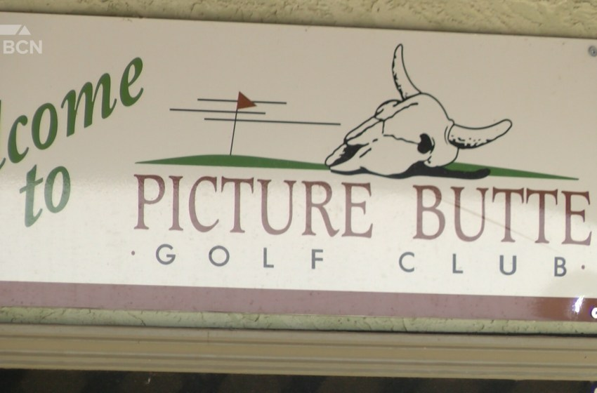 Albertans travel several hours to golf early in Picture Butte