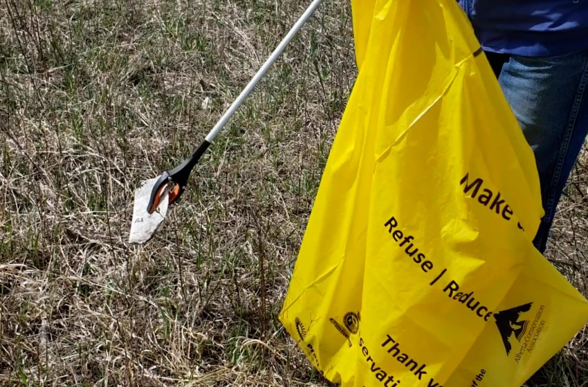 Making the coulees a better place for Coulee Cleanup