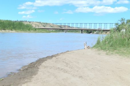 Staying safe while floating down the Oldman River