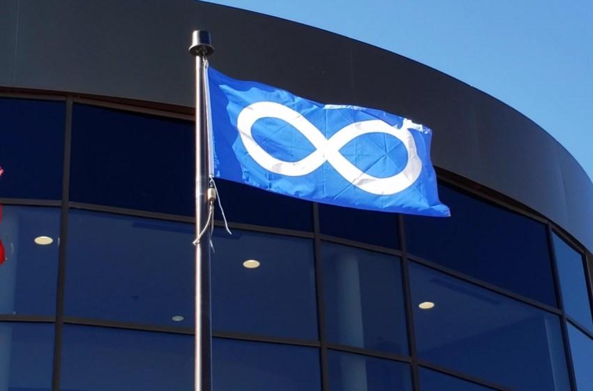 Flag raising honours Métis peoples
