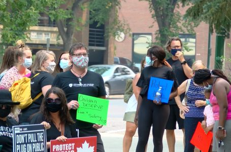Protests in Lethbridge against ending COVID-19 isolation, testing