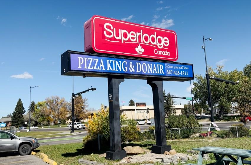 Concerned Lethbridge residents form 'Superlodge Saga' watch group