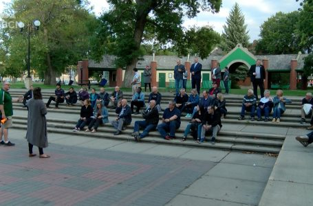 Mayoral, council candidates come together at Prayer in the Park Thursday evening