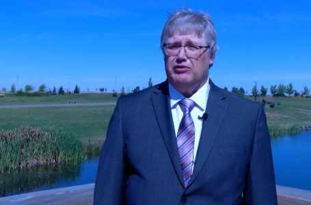 Tim VanderBeek signs papers for city councillor bid