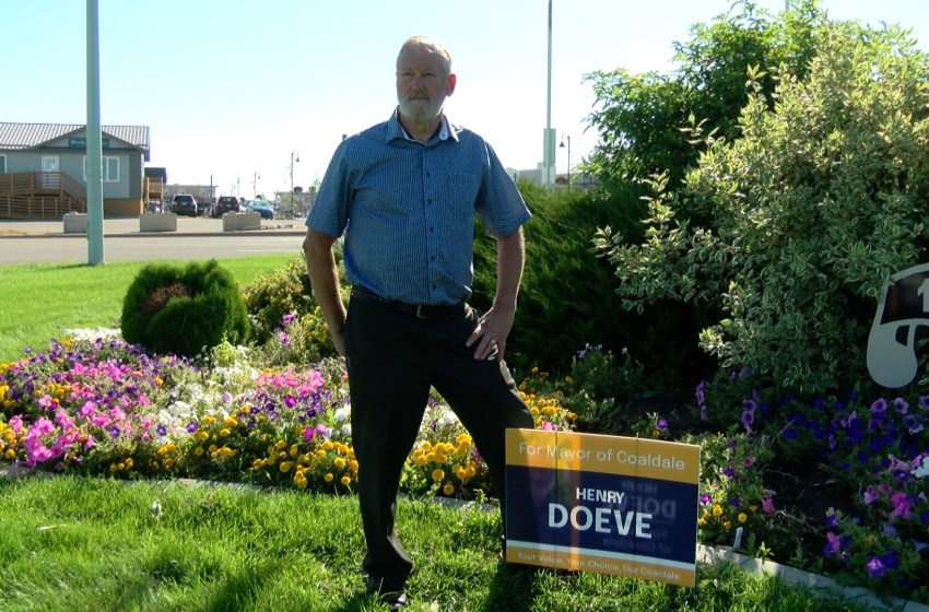 Mayoral hopeful for Town of Coaldale talks campaign